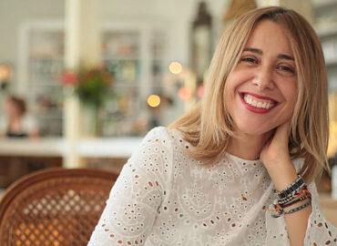 """Esther checa se une a la parrilla de Subterfuge Radio con """"Marketing online para la música"""""""